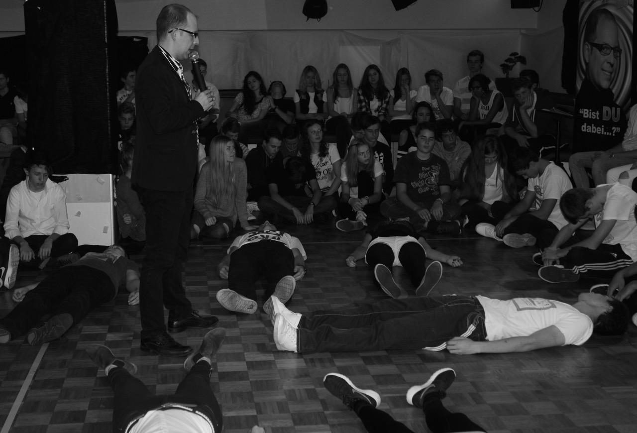 Hypnoseshow mit Carsten Fenner dem Showhypnotiseur Gruppenhypnose